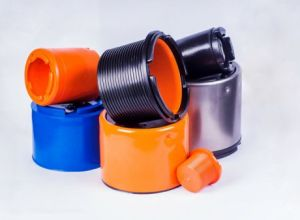 Thread protectors for casing pipes